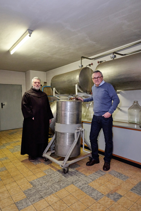 Albert Aufschläger, Geschäftsführer der Karmelitengeistfabrik
