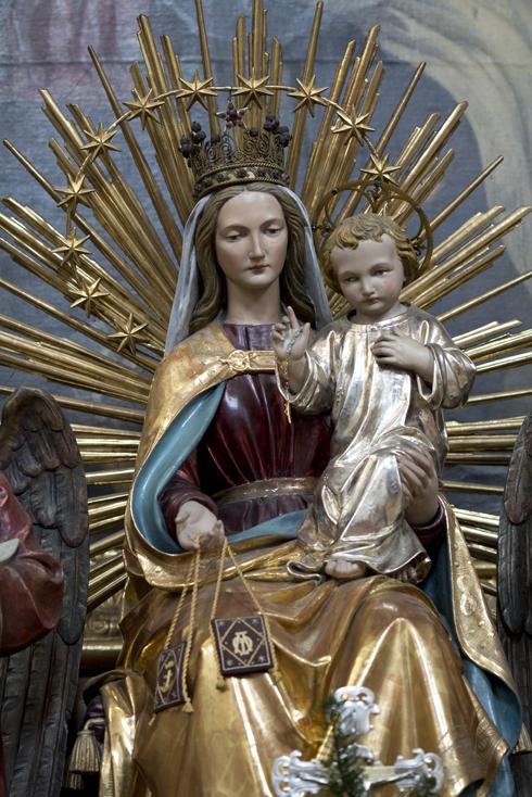 Statue von Unserer lieben Frau vom Berge Karmel
