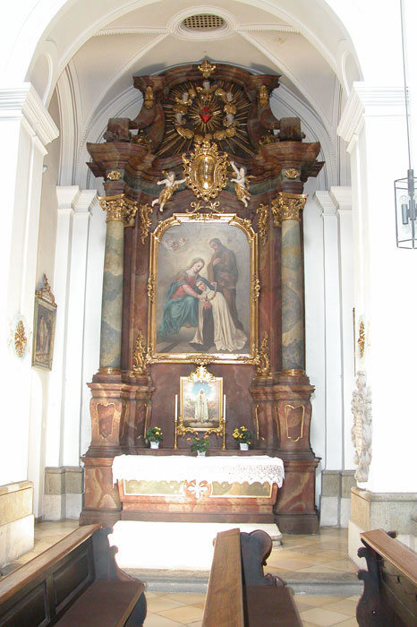 Seitenaltar der hl. Teresa von Avila